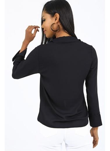 Emjey Önü Bağlamalı Kolları Manşetli Gömlek Siyah
